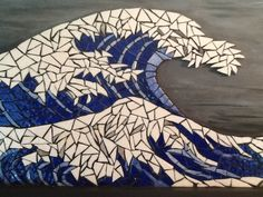 Mosaic inspired by the Hokusai Wave emails from Briare and acrylic . Mosaic inspired by the Hokusai Wave emails made of briare and acrylic Mosaic Wall, Mosaic Glass, Mosaic Tiles, Glass Art, Mosaics, Mosaic Crafts, Mosaic Projects, Art Projects, Mosaic Designs