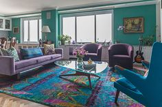 Madison Avenue Residence Living Room Living by Kati Curtis Design Bright Paint Colors, Room Paint Colors, Paint Colors For Living Room, Living Room Interior, Living Room Decor, Bold Living Room, Ikea Deco, Madison Avenue, Bright Paintings