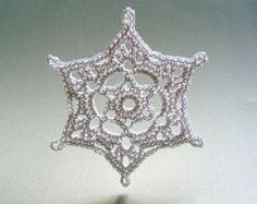 Christmas Decor 6 Small Crochet Snowflakes door CaitlinSainio