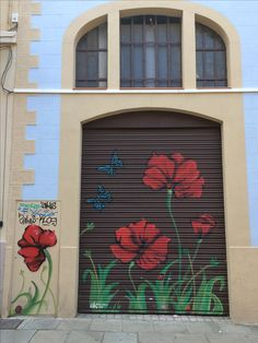 Poppies - painted shutters - Barcelona