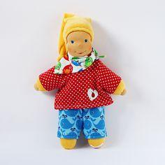 Handgemachte Schmusepuppe, Erstlingspuppe, erste Puppe, waldorfart, Kuschelpuppe, Nickipuppe, Schlenkerpuppe, erster Geburtstag, Babypuppe von KassiOlino auf Etsy