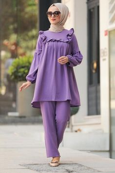 Hijab Fashion Summer, Abaya Fashion, Muslim Fashion, Girls Fashion Clothes, Girl Fashion, Fashion Outfits, Clothes For Women, Stylish Kurtis Design, Iranian Women Fashion