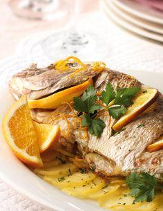 Besugo al horno Salmon Recipes, Fish Recipes, Appetizer Recipes, Dinner Recipes, Appetizers, Gordon Ramsay, Canapes, Recipes For Beginners, Cheap Meals