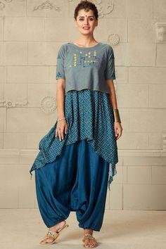 Beautiful muslin western cut kurti with crop top jacket and great detailing Salwar Designs, Blouse Designs, Stylish Kurtis Design, Kurti With Jacket, Desi Wear, Indian Designer Wear, Plaid Dress, Girl Fashion, Fashion Design