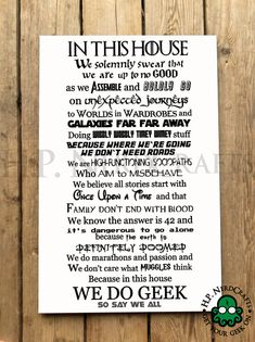 WE DO GEEK 16x24in Wood Sign van HPNerdCrafts op Etsy Positive Books, Nerd Decor, In This House We, Thats The Way, Geek Culture, Pop Culture, Geek Chic, I Love Books, Vinyl Projects