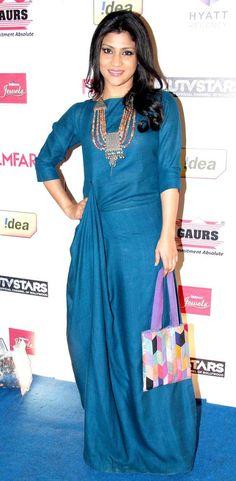 Konkana Sen Sharma at the Filmfare pre-awards party. Western Dresses, Indian Dresses, Indian Outfits, India Fashion, Ethnic Fashion, Indian Attire, Indian Wear, Kurta Designs, Blouse Designs