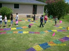 From previous pinner: Candyland Birthday party! Turned the backyard into a giant Candyland board game with spray piant, balloons, giant candy canes. The kids loved playing the game on the giant board. They were the playing pieces. Birthday Presents For Dad, Birthday Party For Teens, Birthday Gifts For Girlfriend, Birthday Party Games, Birthday Crafts, Birthday Ideas, Game Party, Birthday Board, Party Party