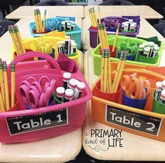 83 Best Classroom Organization Ideas – Chaylor & Mads More from my siteThe Ultimate List of Classroom Management StrategiesKeep your organization game strong this year with the cutest shelves around Transparentes 2019 Kindergarten Classroom Decor, Classroom Hacks, 2nd Grade Classroom, New Classroom, Classroom Themes, Year 3 Classroom Ideas, Classroom Table Organisation, Cute Classroom Decorations, Kindergarten Tables