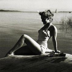 Romy Schneider (ou une sirène ?).                              …