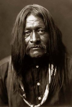 Here for your perusal is a highly creative photograph of Hoo-Man-Hai, a Maricopa Brave. It was created in 1907 by Edward S. Curtis.    The photo illustrates a man who was among the Indians of North America.    We have compiled this collection of photographs mainly to serve as a valuable educational resource. Contact curator@old-picture.com.
