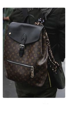 2020 New Louis Vuitton Handbags Collection for Women Fashion Bags Burberry Handbags, Gucci Handbags, Louis Vuitton Handbags, Louis Vuitton Monogram, Burberry Bags, Tote Handbags, Designer Handbags, Eco Bags, White Tote Bag