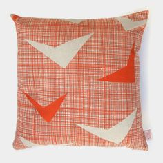Skinny Laminx Airborne Cushion Cover in Strelitzia Cushion Covers, Pillow Covers, Scatter Cushions, Throw Pillows, Cushions Online, Boho Stil, Home Living, Living Room, Organic Shapes