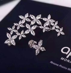 APM Monaco flower earrings