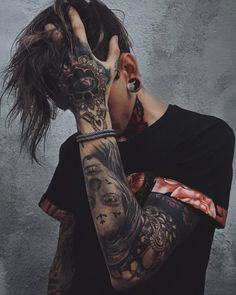 Leading Tattoo Magazine & Database, Featuring best tattoo Designs & Ideas from around the world. At TattooViral we connects the worlds best tattoo artists and fans to find the Best Tattoo Designs, Quotes, Inspirations and Ideas for women, men and couples.