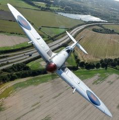 Dazzling Vintage Aircraft: The Major Attractions Of Air Festivals Ww2 Fighter Planes, Air Fighter, Ww2 Planes, Fighter Aircraft, Fighter Jets, Ww2 Aircraft, Military Aircraft, Spitfire Supermarine, The Spitfires