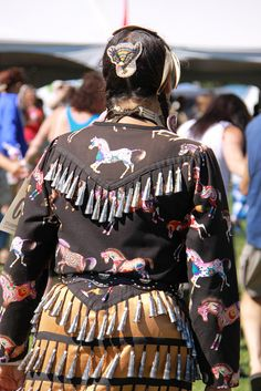<3jingle dress used in Pow-wows
