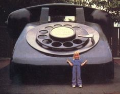 Giant phone on the Universal backlot. I soo remember this :)