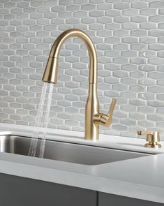 The precision of the Marca™️ Kitchen Faucet's stacked cylindrical geometry is an assertive take on transitional style, for a versatile faucet that makes an impression. Single Handle Pull-Down Kitchen Faucet with Soap Dispenser and ShieldSpray® Technology Ikea Kitchen, Kitchen Shelves, Kitchen Layout, Home Decor Kitchen, Kitchen Furniture, Kitchen Gadgets, Kitchen Hacks, Apartment Kitchen, Kitchen Cabinets