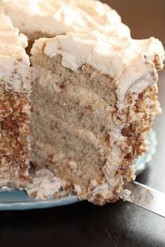 Banana Cake with Praline Filling and White Chocolate | Cook'n is Fun - Food Recipes, Dessert, & Dinner Ideas