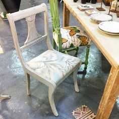 Silla restaurada recién salida del taller #wabisabiworks #sevilla #shopping #decoracion #wooden #chair #grey #blue #herbage #madera