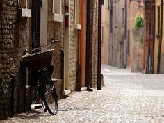 Ferrare. Ravenne et Bologne - Trois merveilles de l'Emilie-Romagne à voir et à savourer.
