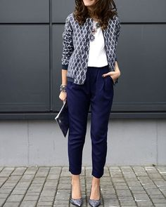Professional Office Women Outfits for Summer 20160001 Business-Outfit 45 Professional Office Women Outfits for Summer 2016 Summer Work Outfits, Casual Work Outfits, Business Casual Outfits, Mode Outfits, Work Attire, Work Casual, Chic Outfits, Casual Chic, Office Attire