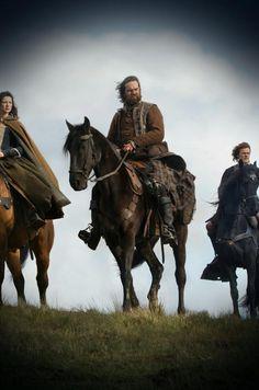Claire, Murtagh & Jamie on horseback