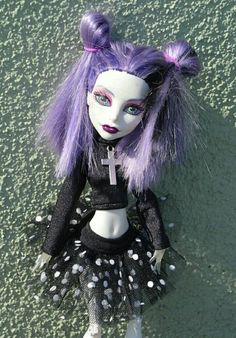 EMO style for MH or EAH : top with cross and skirt