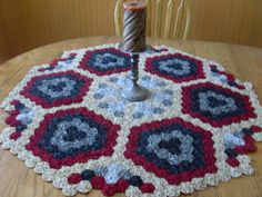 Yoyo quilt tablecloth doily made in America by NewVintageOldSkins,