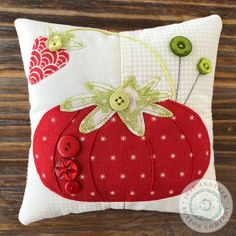 Sewing Cushions Button Lover's Club: Words with Buttons - A club for button lovers! See description below. Sewing Hacks, Sewing Projects, Sewing Ideas, Sewing Kits, Craft Projects, Craft Ideas, Love Sewing, Hand Sewing, Learn Sewing