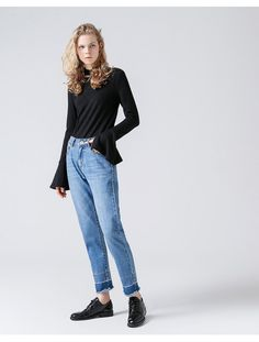 Tough times to find new Jeans? Look no more we have got the right ones for you in our 2017 fall collection you unleash Your New You. Limited Sales and Offers on YourNewYou. Harem Jeans, Trousers, Pants, Tough Times, Fall Collections, Jean Skirt, Jeans Style, Mom Jeans, Normcore