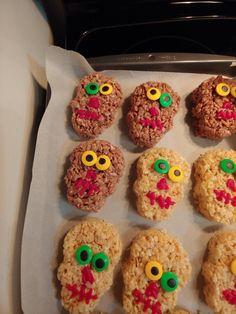 I Party, Halloween Treats, Doughnut, Parties, Cookies, Desserts, Food, Fiestas, Crack Crackers