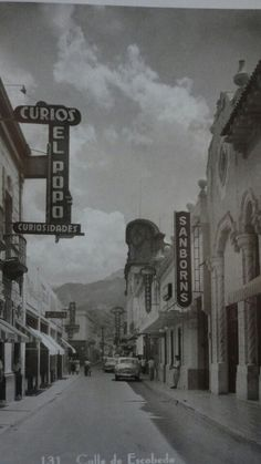sanborns en 1940 sobre la calle de escobedo Mexico City, Museum, Cool Stuff, History, Places, Painting, Travel, Timeline, Vintage