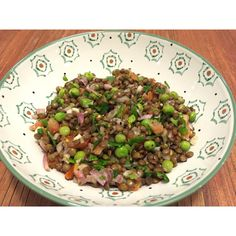 Lentille / Petits Pois #raw #salad #healthy #recipes   ingredients : Lentille Petits pois  Échalote  Tomate cerise  Persil  Coriandre  Huile d'olive  Vinaigre de xérès  Citron vert  Sel et poivre