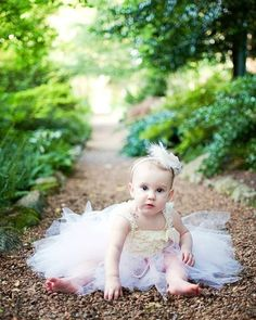 Beautiful photo idea. (Baby Girl)