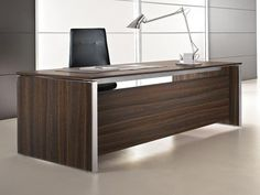 Office desk Eos Collection by Las Mobili Executive Office Desk, Executive Room, Industrial Design Furniture, Furniture Design, Office Table Design, Luxury Office, Eos, Counter Design, Work Station Desk