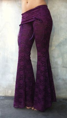 Fuschia lace. I loooove these pants! Pity I'll never have a figure that'd look good in them