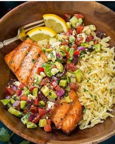 Grilled Salmon with Avocado Greek Salsa and Orzo - Cooking Classy Gegrillter Lachs mit Avocado griechischer Salsa und Orzo Seafood Recipes, Diet Recipes, Cooking Recipes, Healthy Recipes, Recipies, Orzo Recipes, Tilapia Recipes, Cooking Videos, Tasty Healthy Meals