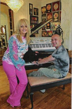 Bonnie Tyler : Home - South Wales - Mumbles
