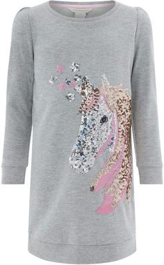 Revitalize her seasonal line-up with our Una sweat top, showcasing a striking sequin unicorn with embroidered detail. This piece is woven with metallised fib. Unicorn Fashion, Unicorn Outfit, Unicorn Headband, Cute Unicorn, Unicorn Clothes, Dresses For Teens, Girls Dresses, Prom Dresses, Pretty Outfits