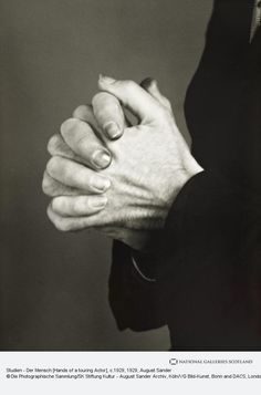 August Sander, Studien - Der Mensch [Hands of a touring Actor], about 1929