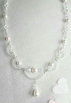 """""""Crystal & Pearl Necklace - Easy to make with seed beads, Swarovski crystals & pearls."""", """"Simple wire loops and stringing = lovely. Pearl Jewelry, Wire Jewelry, Jewelry Crafts, Wedding Jewelry, Beaded Jewelry, Jewelery, Handmade Jewelry, Pearl Bracelets, Pearl Rings"""