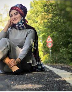 Arab Girls Hijab, Girl Hijab, Stylish Watches For Girls, Hajib Fashion, Muslim Beauty, Stylish Dpz, Face, Beautiful, The Face