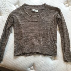 Crop Top Sweater Urban Outfitters pocketed, crop top, barely worn. Urban Outfitters Sweaters Crew & Scoop Necks
