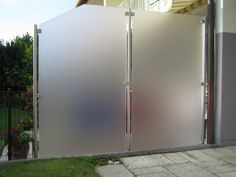 Wind / sight protection with stainless steel poles - Garden Design
