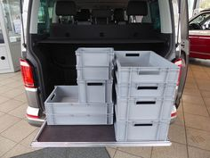 Reardrawer for California Beach with multiflexboard This rear drawer was designed for the California Beach with multiflexboard. It is a modular kit of aluminum . Vw Beach, Guide System, Vw T5, California Beach, Back Seat, Campervan, In The Heights, Drawers, Camping