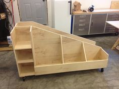 This lumber storage cart will organize and store both sheet goods as well as wood scraps and leftover lengths of wooden boards. Organize your shop or garage with this easily built storage cart. Woodworking Workshop, Woodworking Bench, Woodworking Shop, Woodworking Crafts, Woodworking Classes, Woodworking Machinery, Youtube Woodworking, Popular Woodworking, Woodworking Quotes