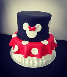 Minnie Mouse Cake #minniemouse #minnie #disney #birthday #baking #homemade #cake #dessert #decoration #icing #frosting #sugar #fondant #food #montreal #laval #finessecatering #finesse #catering #creativefood #foodporn #foodpost #wiltoncakes #kitchenaid #vscofood #cakestagram #instafood #foodphotography #cakeoftheday #buzzfeedfood