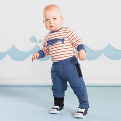 SNAP baby housut, sininen | Raikas kesämallisto 2016 on nyt saatavilla. Tee tilaus NOSH vaatekutsuilla, edustajalta tai verkosta nosh.fi (This clothing collection is available only in Finland but you can shop these wonderful prints from our SS16 fabric collection at en.nosh.fi)