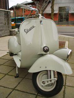 1953 Vespa VN2